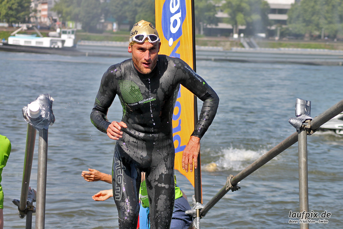 Bonn Triathlon - Swim 2012 - 54