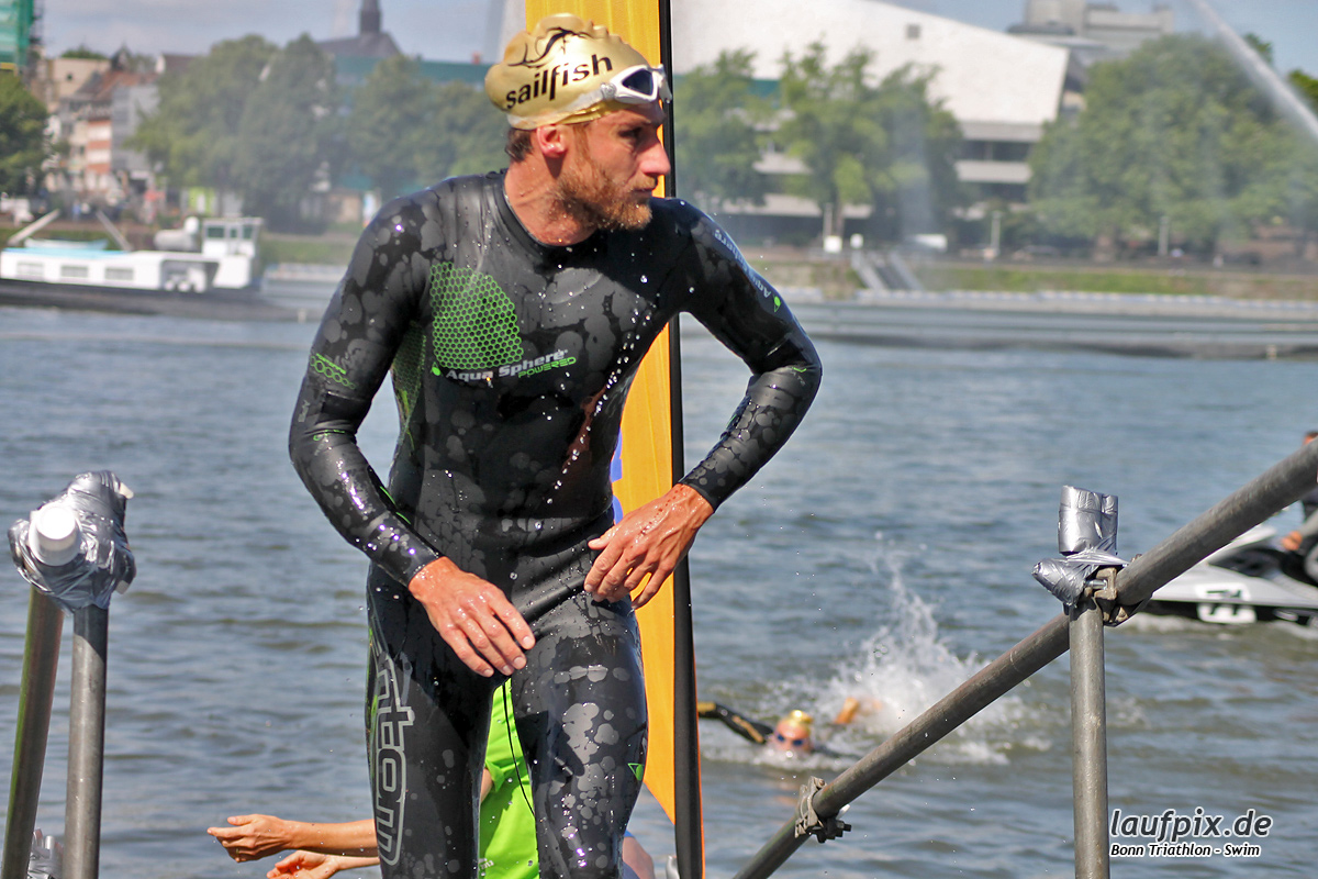 Bonn Triathlon - Swim 2012 - 55