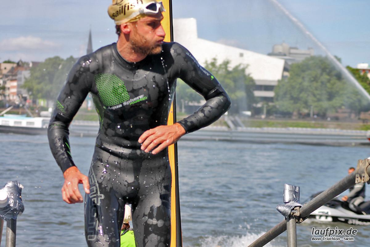 Bonn Triathlon - Swim 2012 - 56