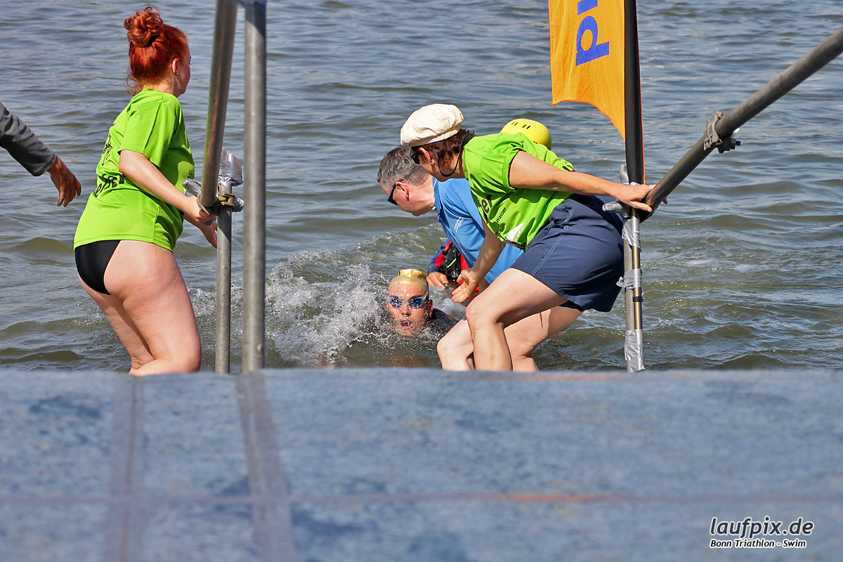 Bonn Triathlon - Swim 2012 - 57