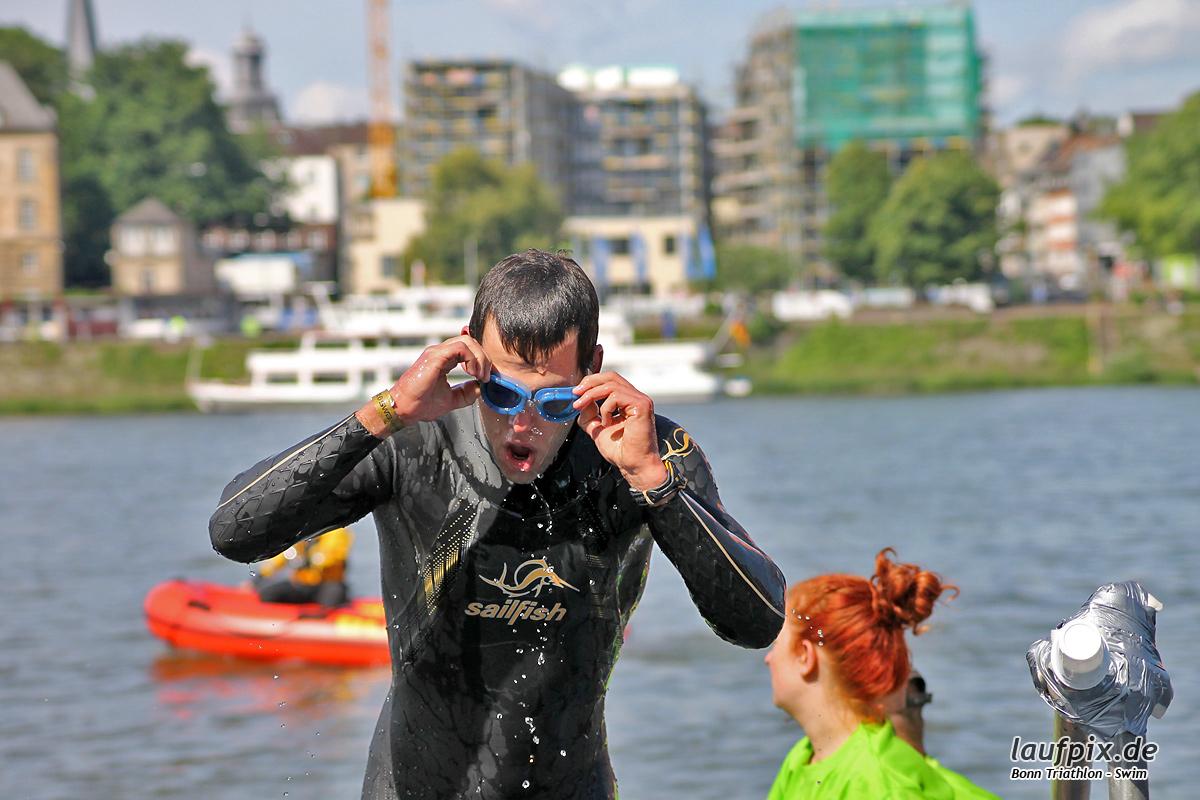 Bonn Triathlon - Swim 2012 - 78