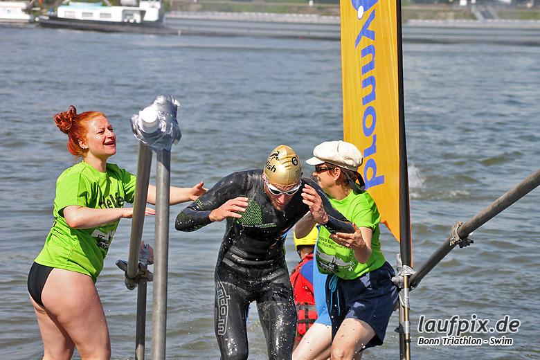 Bonn Triathlon - Swim 2012 - 51